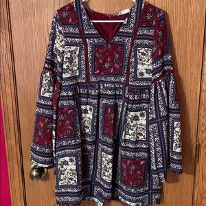 Patterned Dress with wide sleeves